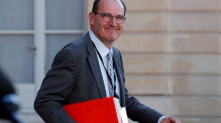 निजामति कर्मचारी बने फ्रान्समा प्रधानमन्त्री