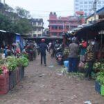 अनुगमन टोली पुग्दा तरकारी व्यापारीको भागाभाग