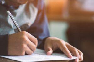 महामारीकाबीच कक्षा १२ को परीक्षा सुरू