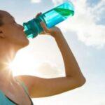 स्वस्थ रहन दैनिक कसरी र कति पानी पिउने?